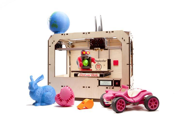 推出的個人 3D 列印機 MakerBot Replicator,當初看到這台時,心中真有莫名的感動!只需要不到台幣6、7萬的價錢就能把自己憑空創作的模型實體化拿在手上。腦中也爆出一堆如何用在數位活動的想法,當下超想說服老闆弄一台來玩玩…科科~ 隨著時間過去,這一年內,個人 3D 列印機技術愈趨進步,能列印的物件越來越精緻,價格大約在台幣5~10萬之間。例如下圖中的物件就是由